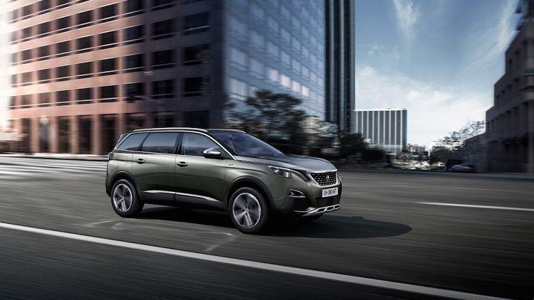 2017 Peugeot 5008 Debuts As Seven Seat Suv